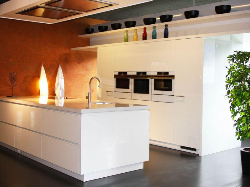 Ausstellung_küche weiss.jpg